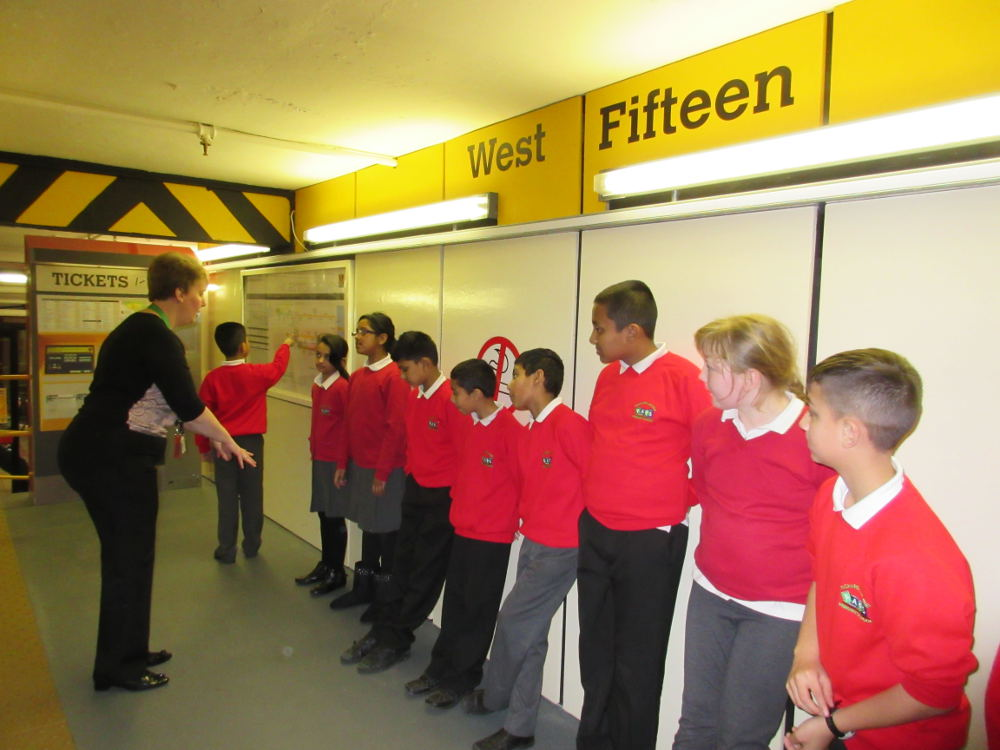 Year 6 learn how to stay safe on a Metro platform