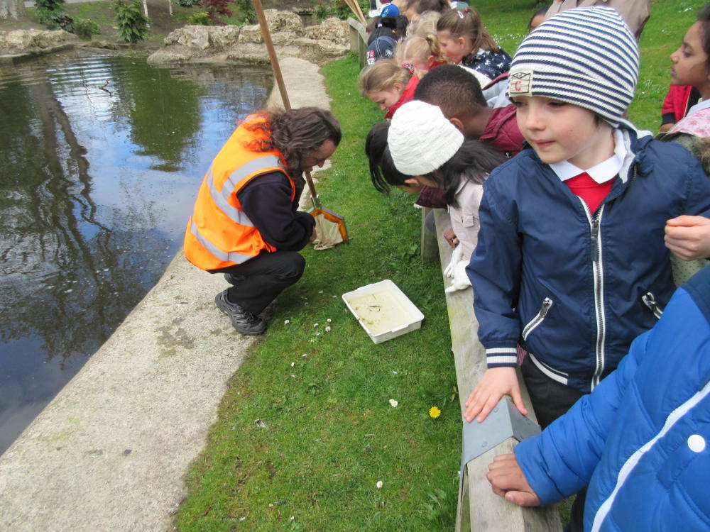 Year 2 pupils at Barnes Park