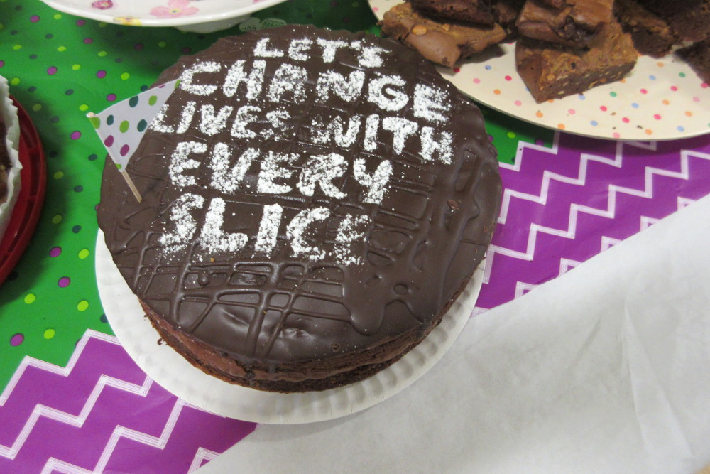 A delicious cake for Macmillan
