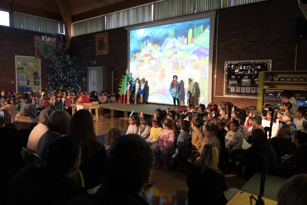 Reception and KS1 Christmas Production 2017