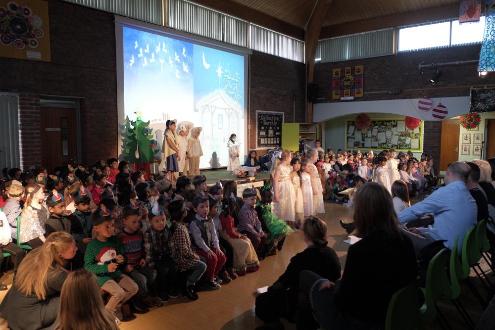 Reception and KS1 Christmas Production 2017